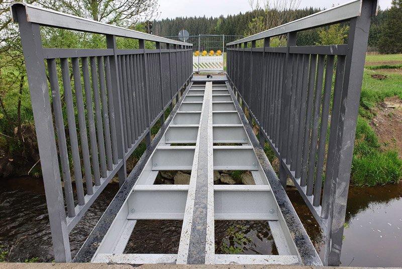 Composite bridge structure