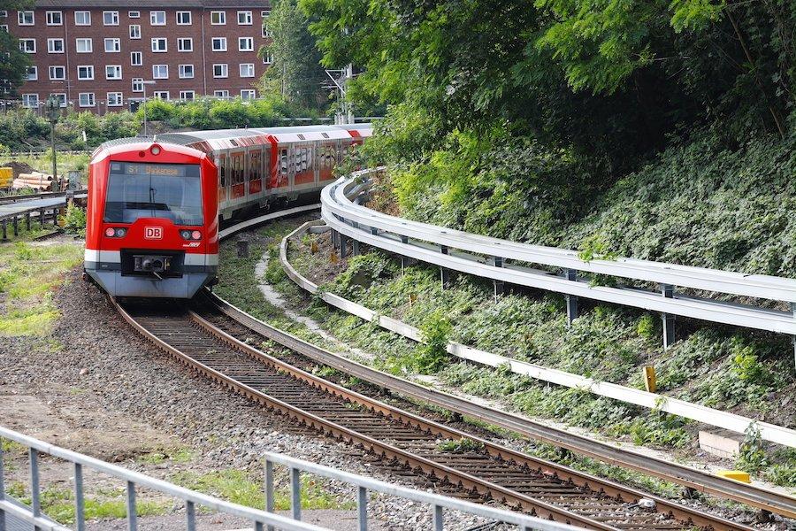 Hamburg installation bend
